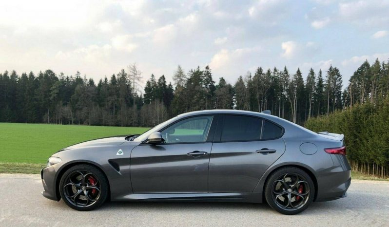 Alfa Romeo Giulia QV 2017 full